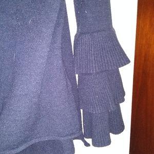 Beautiful DESIGNER Bell Sleeve Sweaters S/M